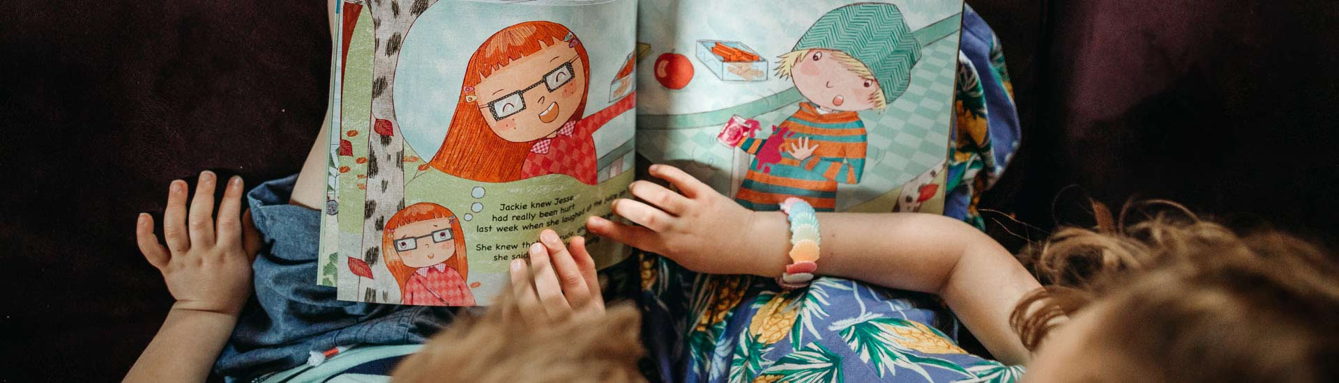 Jewish bedtime stories and music for FREE! PJ Library mails Jewish children's books & music to families.
